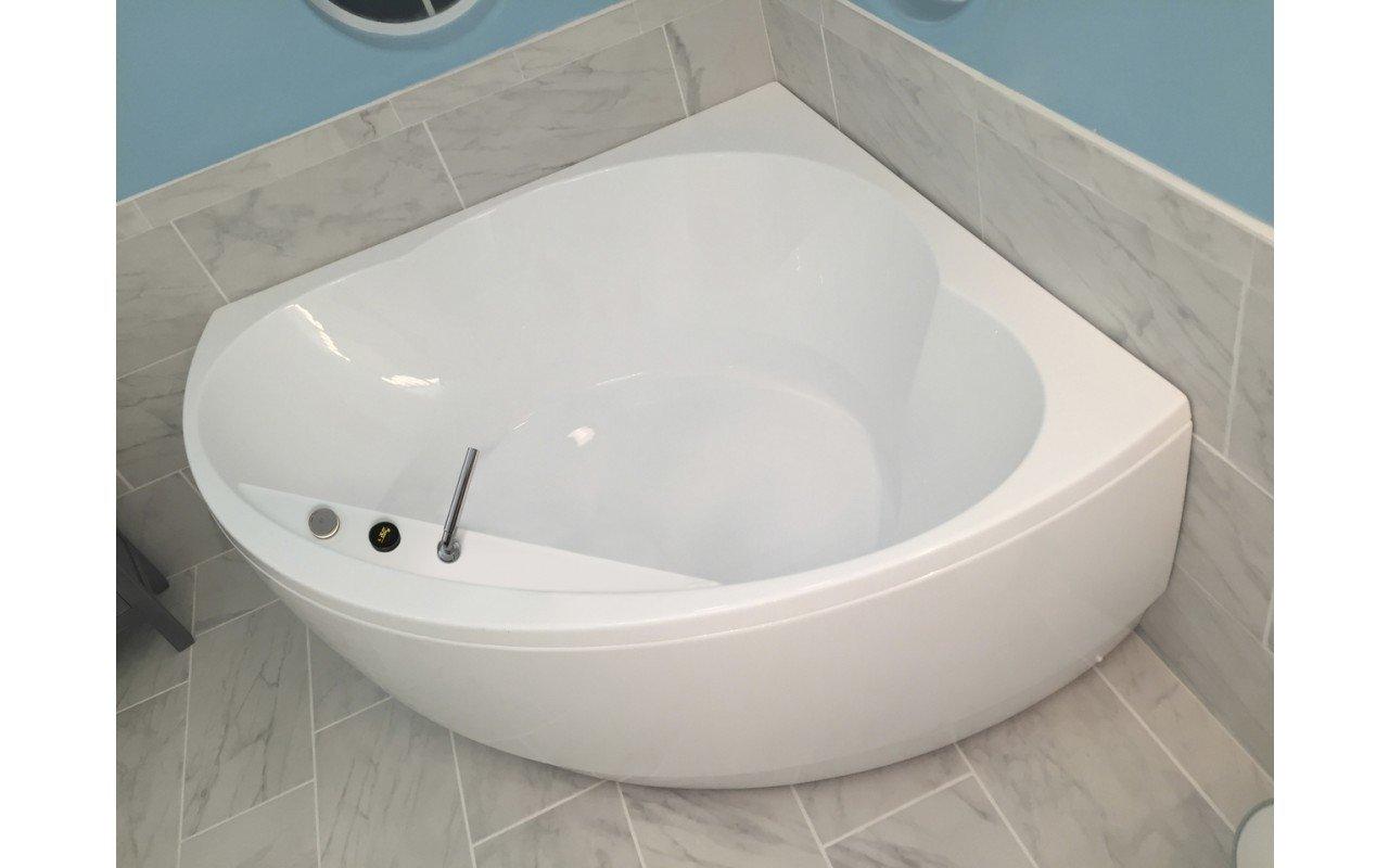 Cleopatra wht corner acrylic bathtub by Aquatica 02 (web)