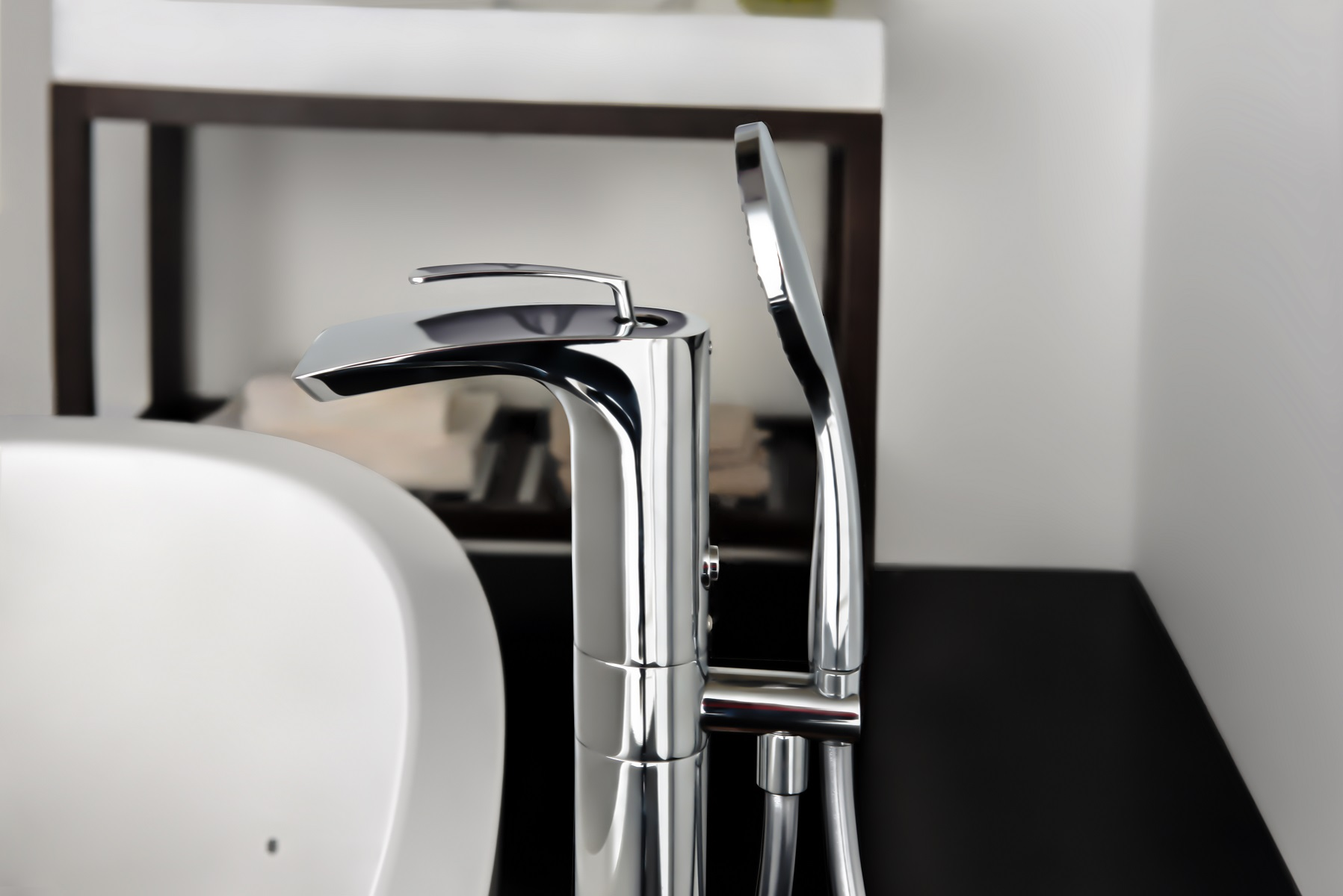 Aquatica bollicine llave para tina de montaje a piso for Llaves de tina de bano