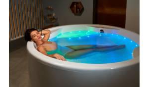 Bañera sin apoyos Allegra de Aquatica de acrílico, relajación, masaje de aire