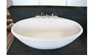 Sensuality Mini-W, Bañera de paréd hecha de AquateX, by Aquatica